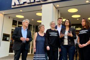 Serpil Midyatli zu Besuch bei Karstadt in Flensburg